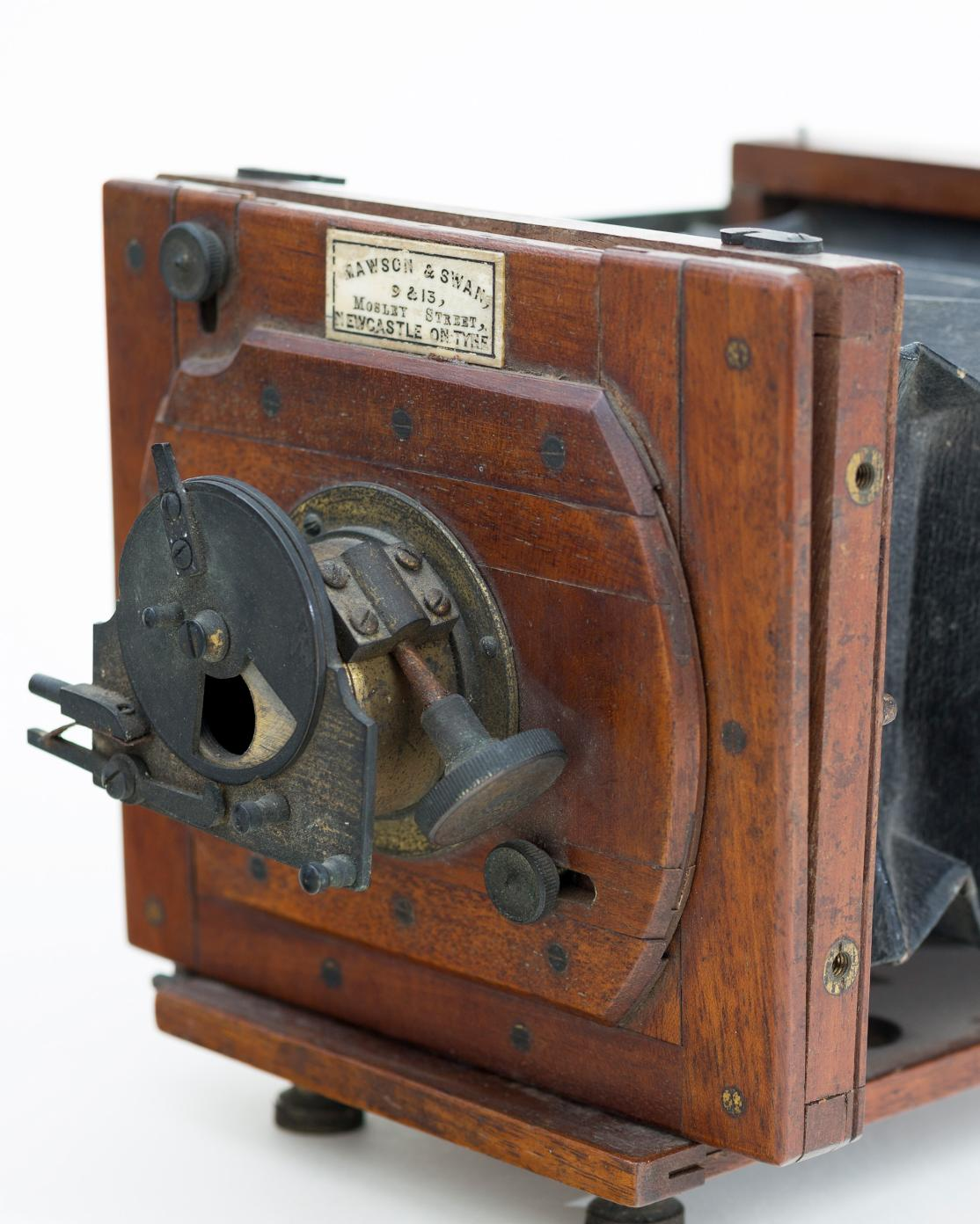 Taking a Photograph: Camera Technology of the Nineteenth Century